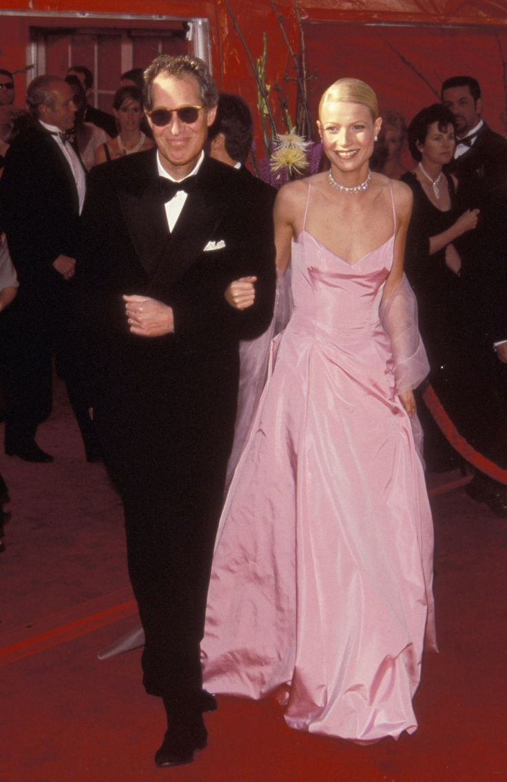 My dad would totally be my Oscar date too. Bruce Paltrow, Gwyneth Paltrow, 1999 - The Cut