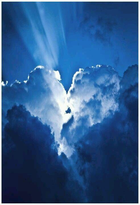 Broken heart in the clouds... Amazing!