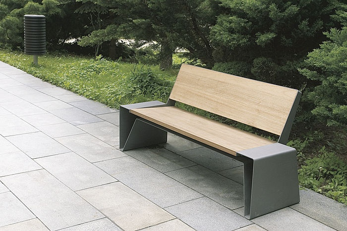 S. bench - contemporary outdoor bench in wood and metal for public spaces (with backrest) RADIUM mmcité