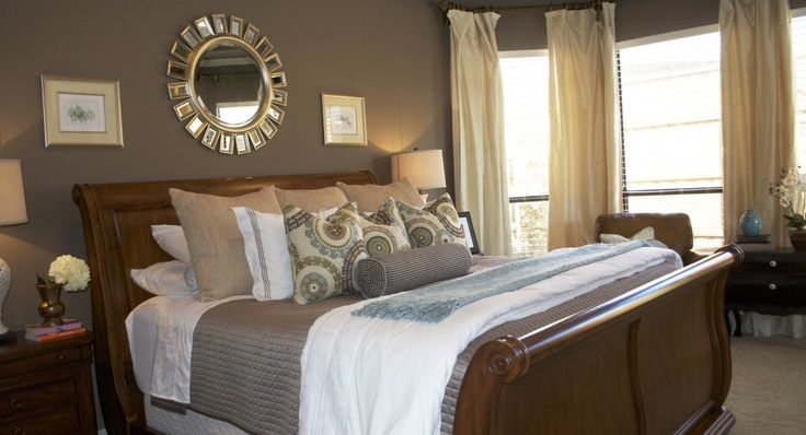 Sleigh bed like ours with the mirror and coffee colored wall is pretty. Love the bedding too.