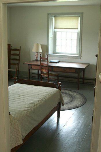 無駄な物がない部屋は、今の私たちが憧れるミニマルな暮らしそのもの・・・。