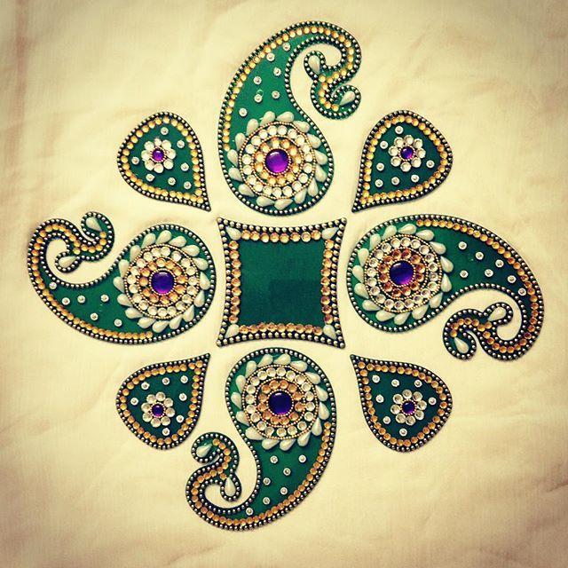 """#handmade #kundan #rangoli @sushobhan_art  Interested can whatsapp on: +91-9601622862 or inbox us: info@sushobhan.co.in Like us: www.facebook.com/sushobhan.co.in Follow us on instagram: @sushobhan_art"" Photo taken by @sushobhan_art on Instagram, pinned via the InstaPin iOS App! http://www.instapinapp.com (09/05/2015)"