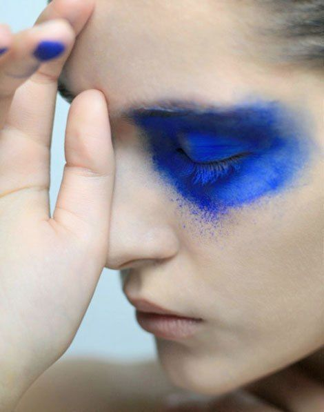 since blue is my fav i would just so happen to love smearing pool chalk on my eyes