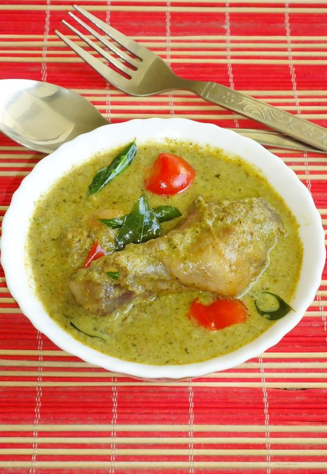hariyali chicken recipe also called as hariyali murgh masala. Chicken cooked in fresh greens like mint, coriander and curry leaves. One of our favorites.