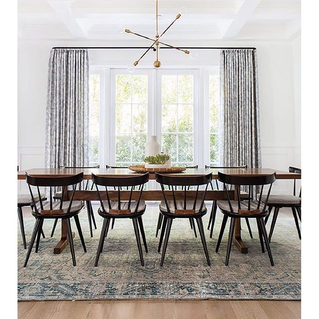Dunn edwards paints paint color white dew380 on the walls for Dining room colour inspiration