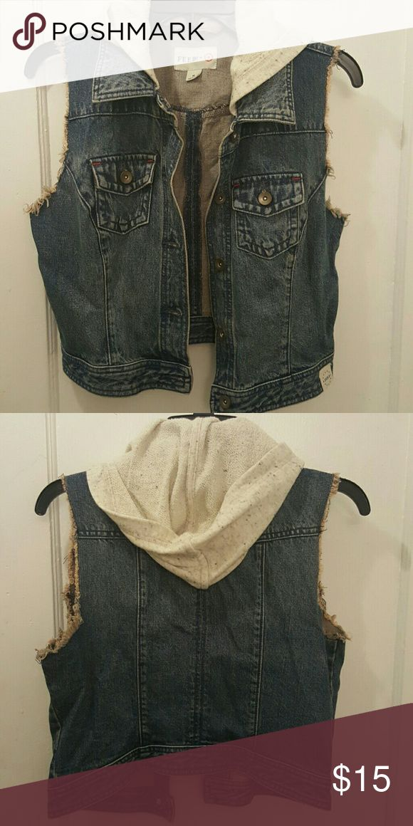 Sleeveless Jean Jacket! Cute sleeveless Jean Jacket w/hood! Gently worn! Feed USA Jackets & Coats Jean Jackets