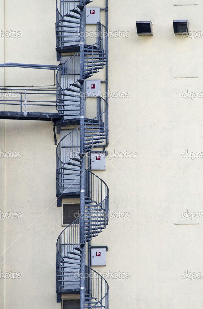 Картинки по запросу пожарная лестница на фасаде