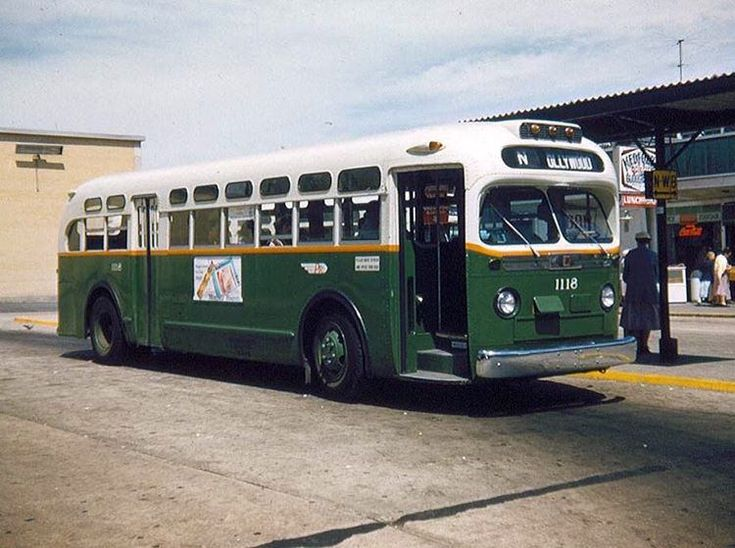 #1950s #gm #generalmotors #bus #model3610 #philly #ptc ... |Photos Old City Buses 1950