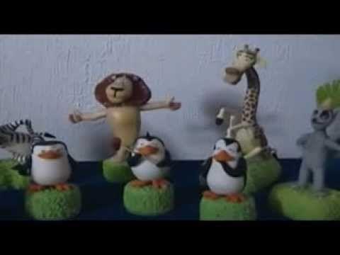 Madagascar en Porcelana Fría Souvenir - LUT Creaciones Arte y Diseño-  Gloria la hipopótamo, Alex el tigre, Marty la cebra y Melman la jirafa junto a sus otro chistosos amigos, el Rey Julien, y los pingüinos Skipper, Kowalski, Rico y Cabo, todos en porcelana fría