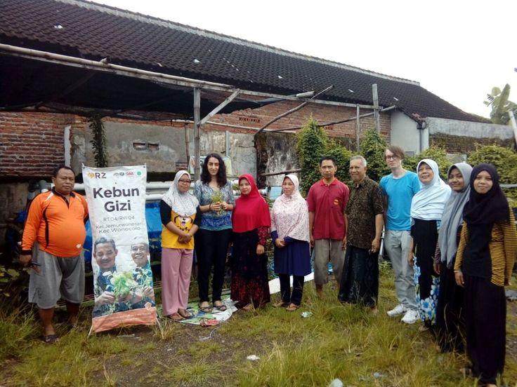 Mahasiswa Eropa Antusias Kunjungi Kebun Gizi Rumah Zakat  di Wonocolo Surabaya