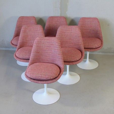 Set of 5 SAARINEN Tulip Chairs, KNOLL INTERNATIONAL