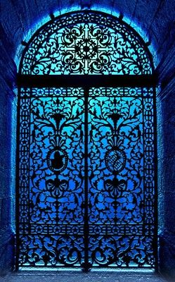 another fantastic door, another fantastic color