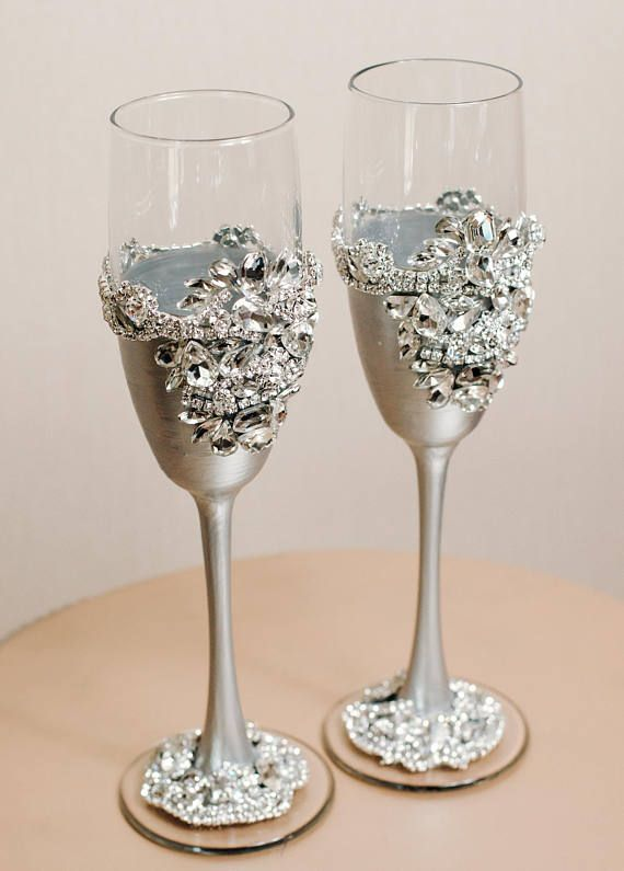 Wedding Glasses And Cake Server Set Silver Or Rose Gold Etsy Wedding Glasses Wedding Toasting Glasses Bridal Glasses