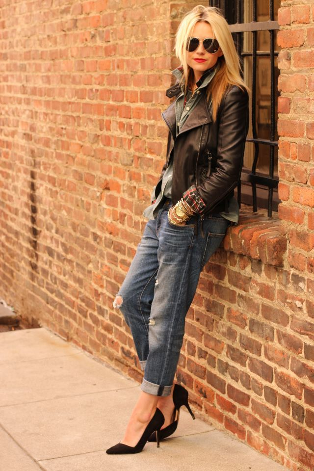 Jacket: Street Fashion, Jeans Pumps Leather Jackets, Fashion Shoes, Biker Jackets, Fashion Street Style, Chambray Shirts, Plaid Shirts, Boyfriends Jeans, Rocks Chic