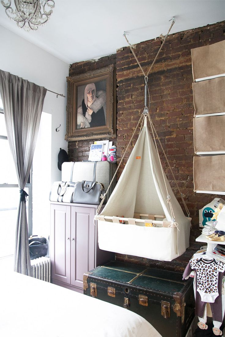 Baby bed next to bed - Choosing A Bassinet For The Nursery By