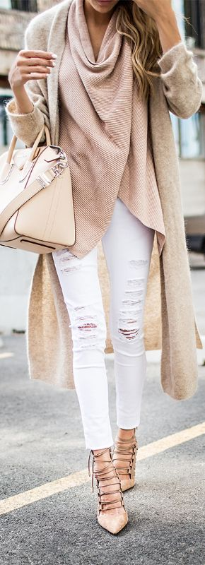 This nude on nude look is everything! Pair your favorite distressed white jeans with a neutral top. Layer on a tan cardigan and top it off with nude shoes!