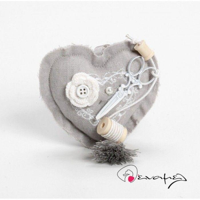 Μπομπονιέρα υφασμάτινη καρδιά γκρι