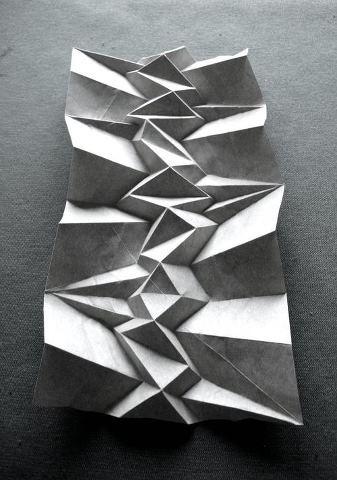 Andrea Russo generates paper foldings