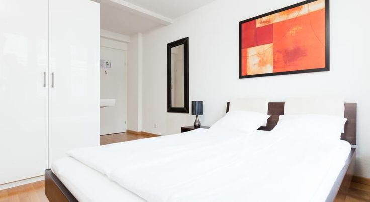 Swiss Star Guesthouse Oerlikon Zürich Just a 3-minute walk from the Oerlikon Train Station and a 10-minute walk from the Messe Zürich fairgrounds, Hotel Löwen offers you tastefully furnished rooms with private bathroom, free WiFi and a charming bar, where also Thai food is served.