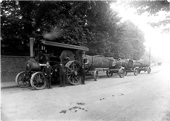 Rowlands traction engine for timber hauling outside the Old Vicarage in Aylesbury Street.