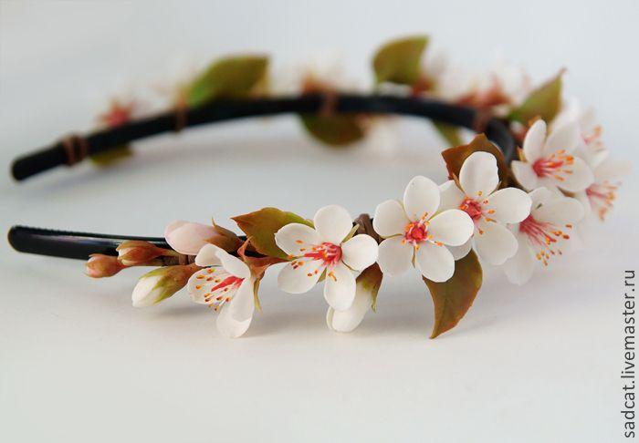 Купить Ободок с цветами вишни (сакуры) из полимерной глины - белый, цветы ручной работы