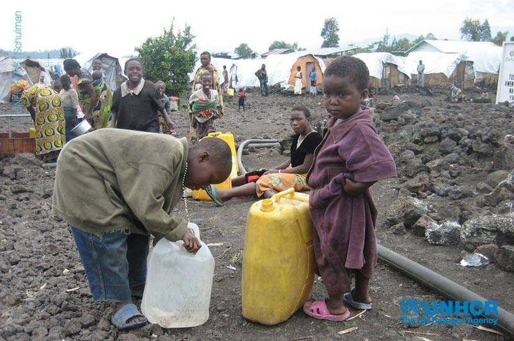 In questo momento, l'#UNHCR sta affrontando numerose emergenze: #Siria, #Mali, Sud #Sudan, Repubblica Democratica del #Congo. L'obiettivo è aiutare i #rifugiati a salvarsi la vita.  Scopri come l'UNHCR affronta le situazioni di crisi e di emergenza: http://www.unhcr.it/news/dir/38/emergenze.htm