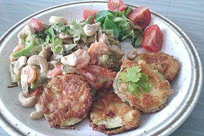 Panierte Zucchini und Gemüse-Kokos-Erdnuss-Pfanne (Rezept mit Bild) | Chefkoch.de
