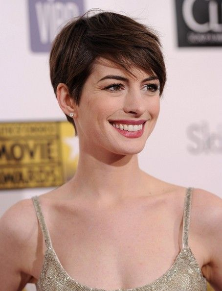 More Pics of Anne Hathaway Pixie (6 of 10) - Short Hairstyles Lookbook - StyleBistro
