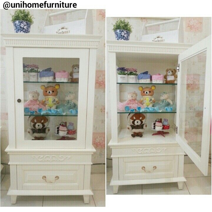 This is the small buffet princess that offers a flexible soace. Code: P153 Size: P. 65 X L. 45 X T. 210 CM