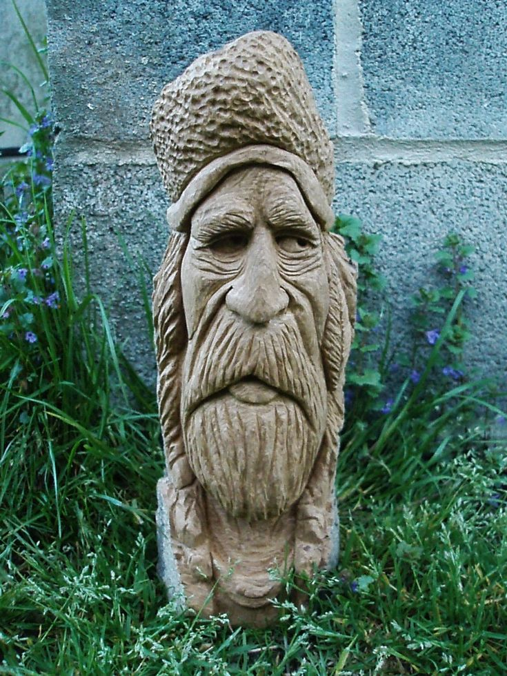 Good looking Mountain Man -- Stix and Stones Woodcarving Home Page