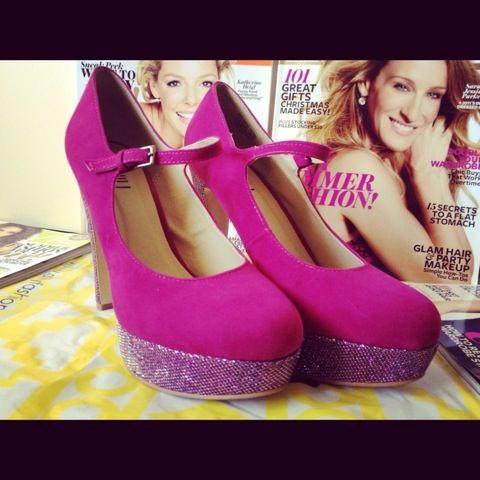 Sharing my HOT inNiu heels