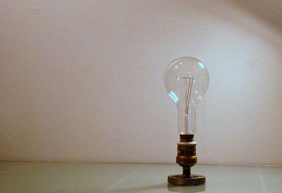 Grosse ampoule industrielle de décoration. par DliteDesign sur Etsy
