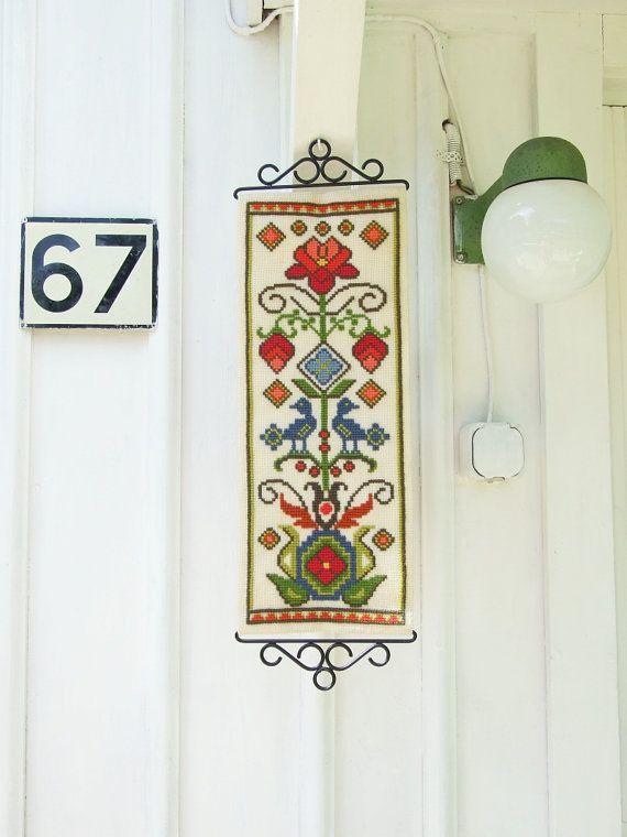 Precioso tapiz sueco vintage hecho a mano // Folk por tiendanordica, $46.00