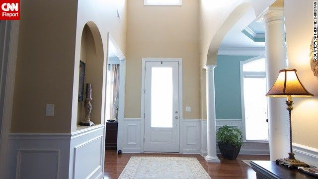 Foyer Art Zone : Best ideas about small foyers on pinterest narrow