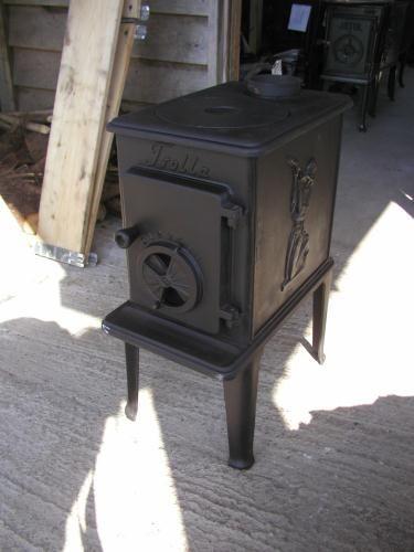 Trolla 102 Freestanding Black Box Stove Cast Iron