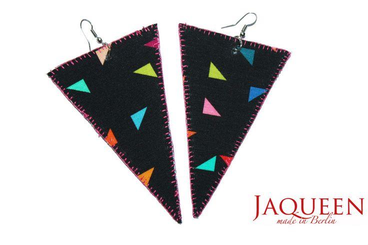 Stoffohrringe - grosse Ohrringe Dreieck bunt - ein Designerstück von JAQUEEN-handmade-streetwear-berlin bei DaWanda
