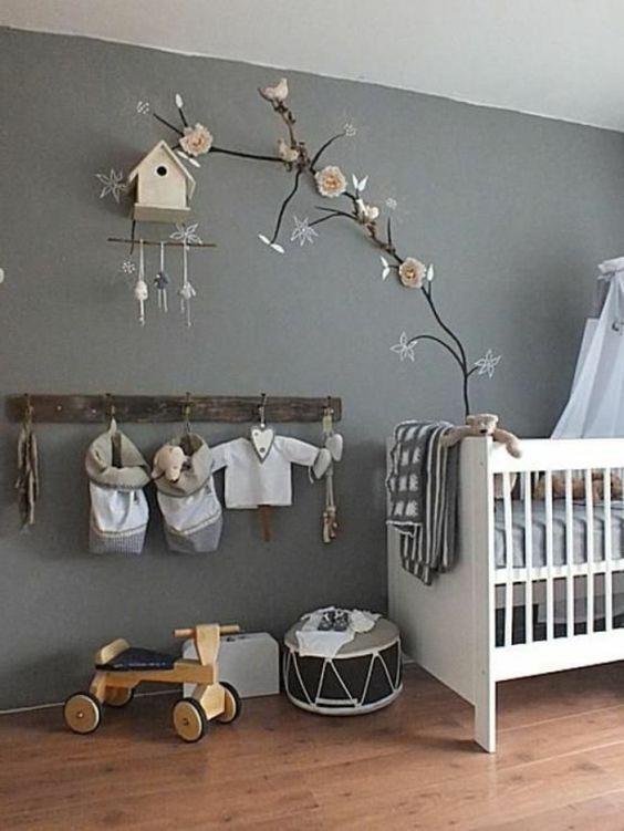 Unique zweige und sch ne deko im babyzimmer graue hauptfarbe auff llige Ideen u Babyzimmer komplett