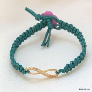 Makramé: Fém köztessel díszített makramé karkötők
