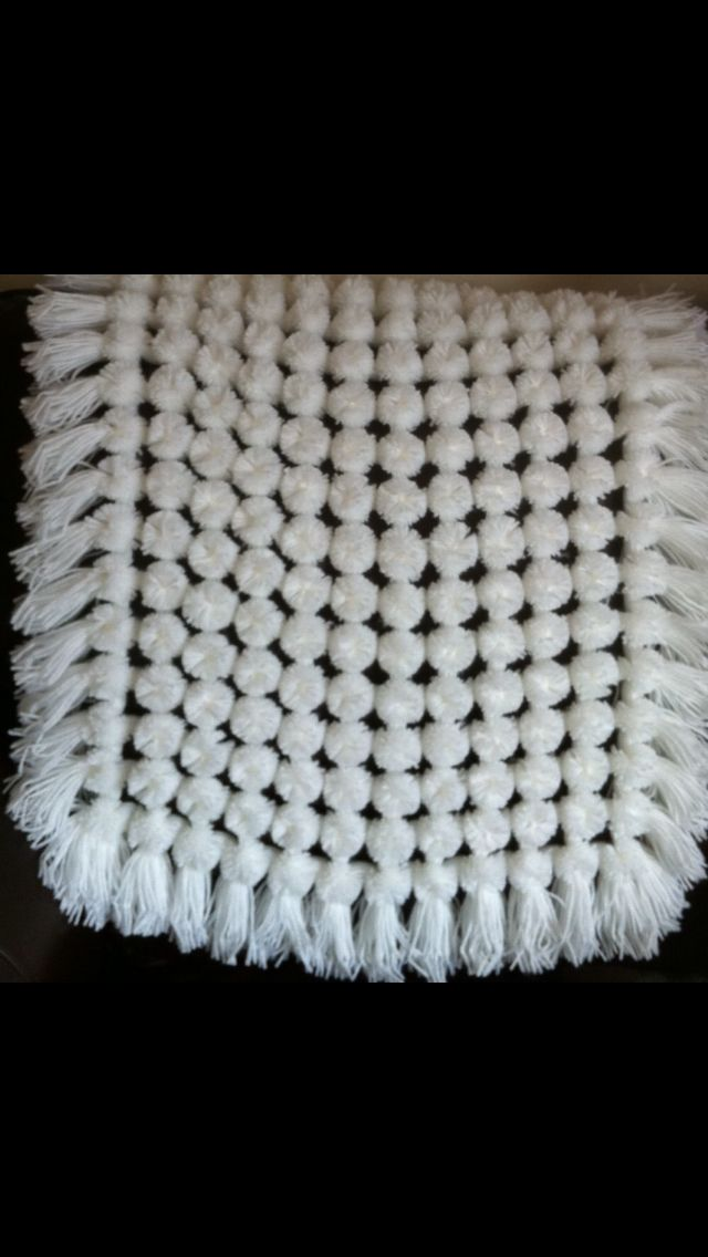 Knitting Pattern Pom Pom Blanket : 8 best images about pom pom blankets made on looms on ...