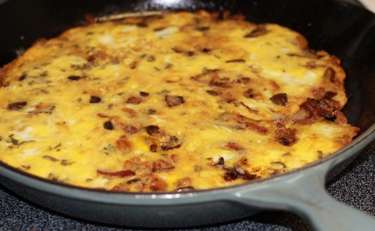 Bacon, Onion, Mushroom and Sage Frittata - Hall Nesting