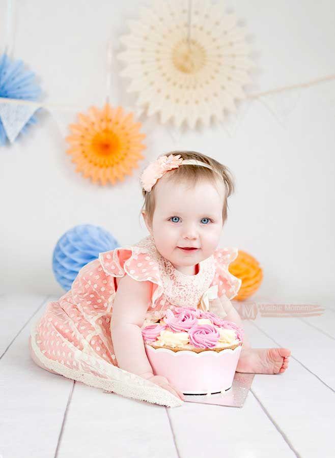 Cake smash cream and peach