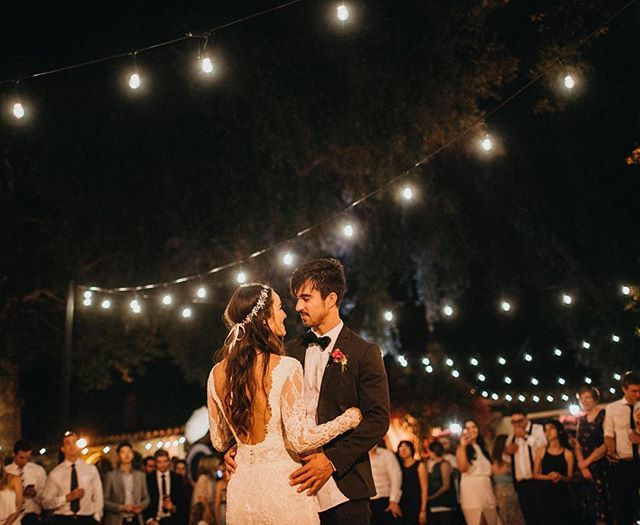 """""""May I have this dance?.."""" Festoon lights can be a pain to get a hold of in Australia sometimes but oh boy do they make the best light for a wedding dance floor 👌🏾"""