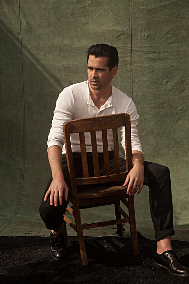 Colin Farrell. Who looks sooo great just sitting in a chair ?? Apparently the guy looks beautiful, no matter what. tee hee.