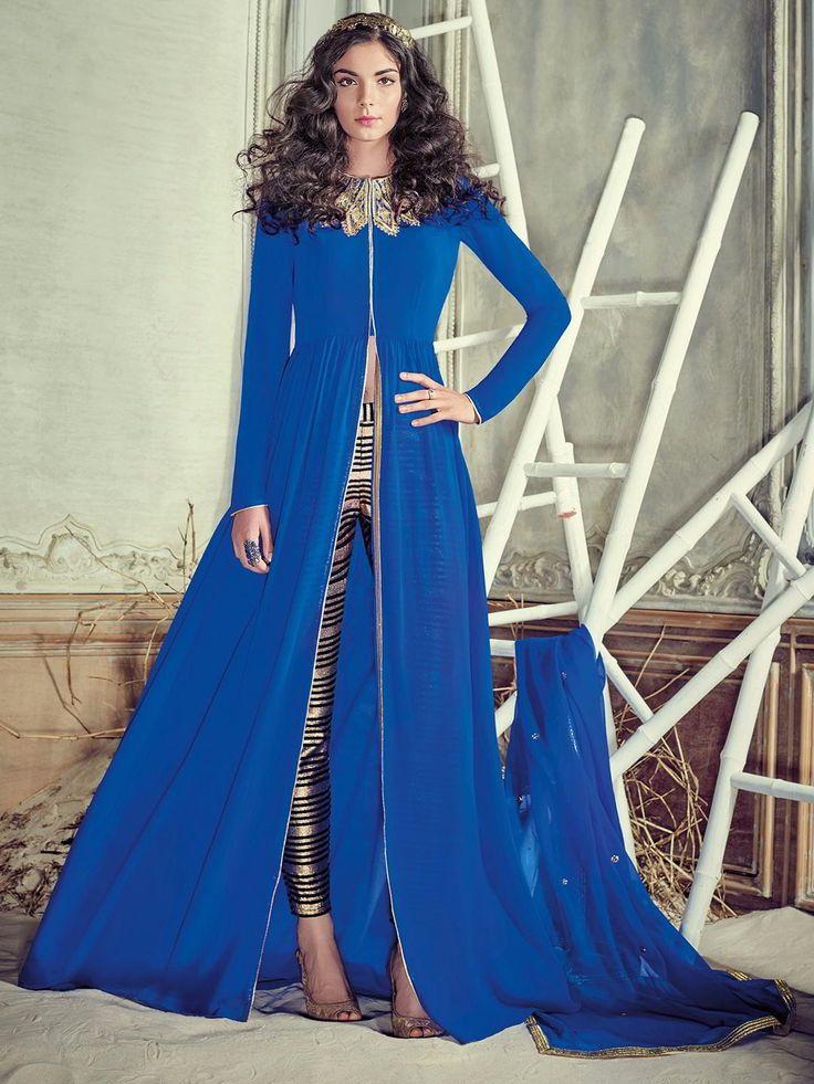 Синее длинное платье / костюм, с длинными рукавами, украшенное вышивкой скрученной шёлковой нитью и пайетками
