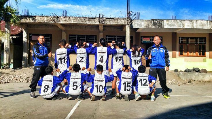 Voetbalvereniging ccv Blauw Wit '28 hebben zijn ook maatschappelijk betrokken bij het werk van Stichting Amurang. Bij elke creaties, worden voetbal kleding meegenomen voor de sportactiviteiten in Amurang en Tondano. Het Basketbal-team van de Aquinoschool in Amurang kreeg hiermee een nieuwe outfit.