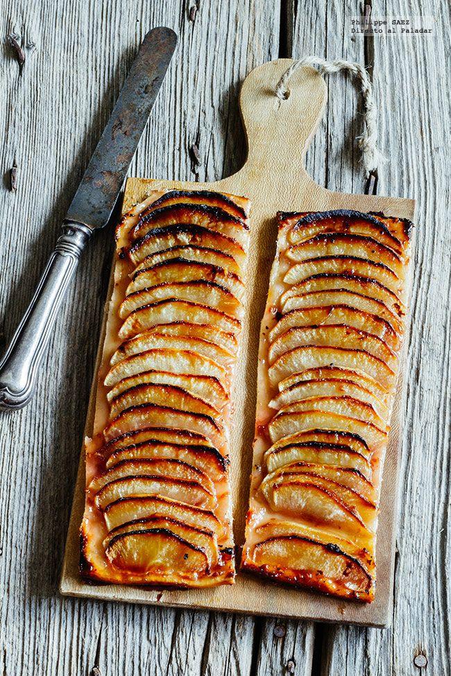Receta fácil de la Tarta de manzana y miel. Receta con fotografías del paso a paso y recomendaciones de degustación. Recetas de psotres...