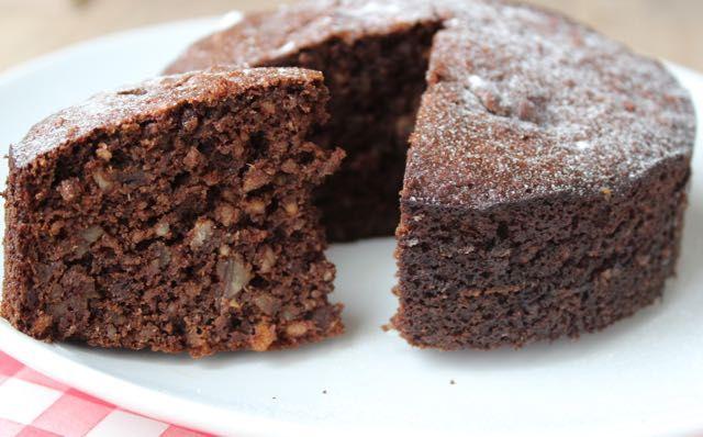 Recept voor mini-chocoladetaart voor 4 personen. Natuurlijk gezoet, waardoor het binnen mijn definitie van suikervrij valt. Op eethetbeter.nl.