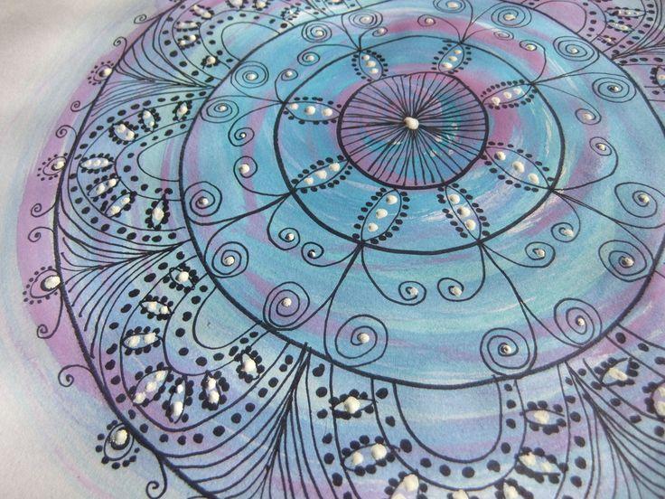die besten 25 mandala malen mit zirkel ideen auf pinterest zentangle f r anf nger zeichnen. Black Bedroom Furniture Sets. Home Design Ideas