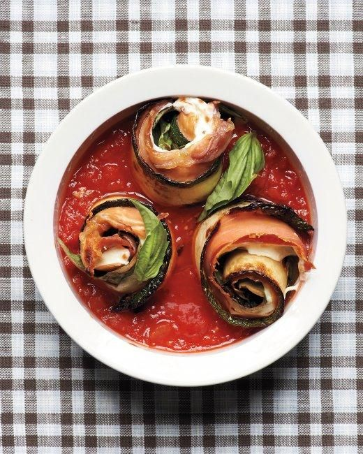 Zucchini Rollatini - To make this dish vegetarian, simply omit the prosciutto.: Dishes Vegetarian, Tomatoes Sauces, Rollatini Recipe, Italian Food, Italian Cuisine, Simply Omit, Zucchini Rollatini, Weeknight Dinners, Martha Stewart Living