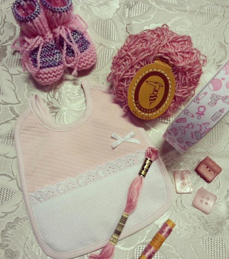 Just for Girl! Il Rosa in Tanti accessori per la Tua Bimba: Scarpine, Bavaglino, Bottoni,